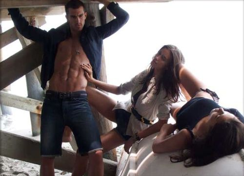 Armani-exchange-bts-04