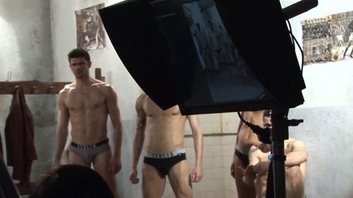 Dolce-undies-backstage-11