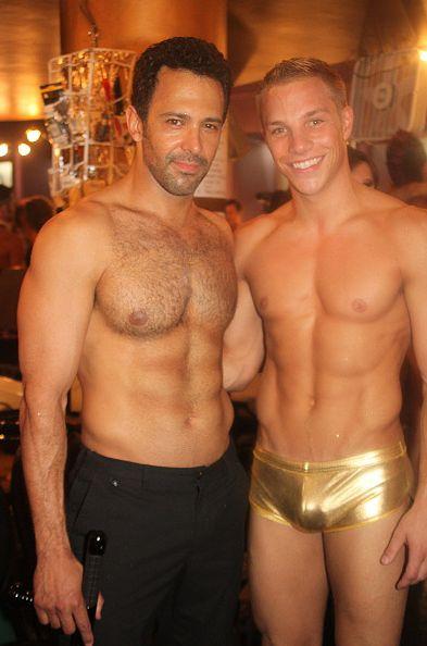 Broadway-bares-09