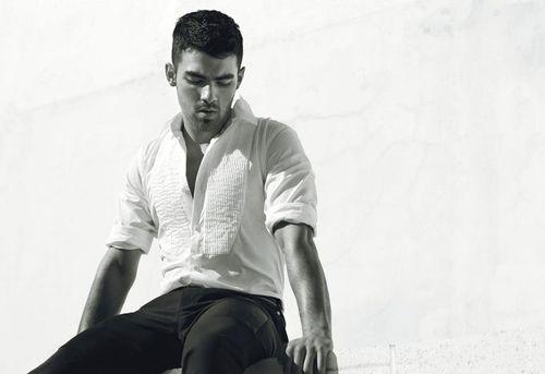 Joe-Jonas-08