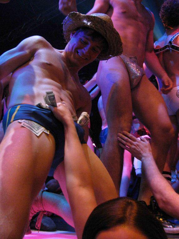 Broadway-bares-14