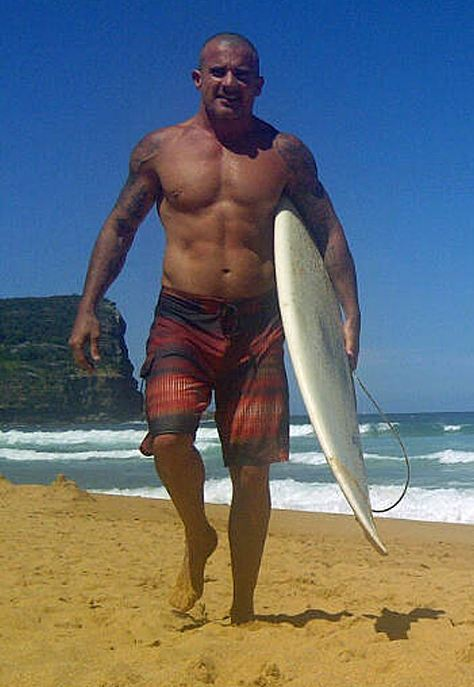 Dominic-purcell-surf