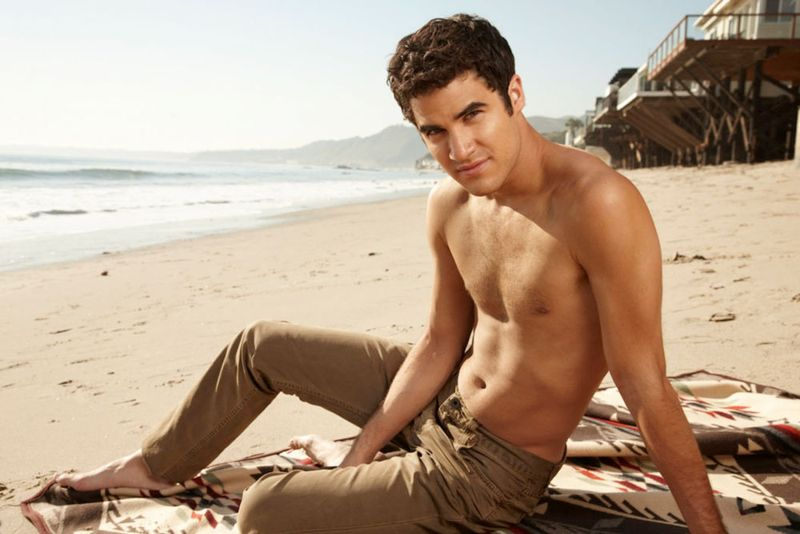 Darren-criss-people-outtakes-11