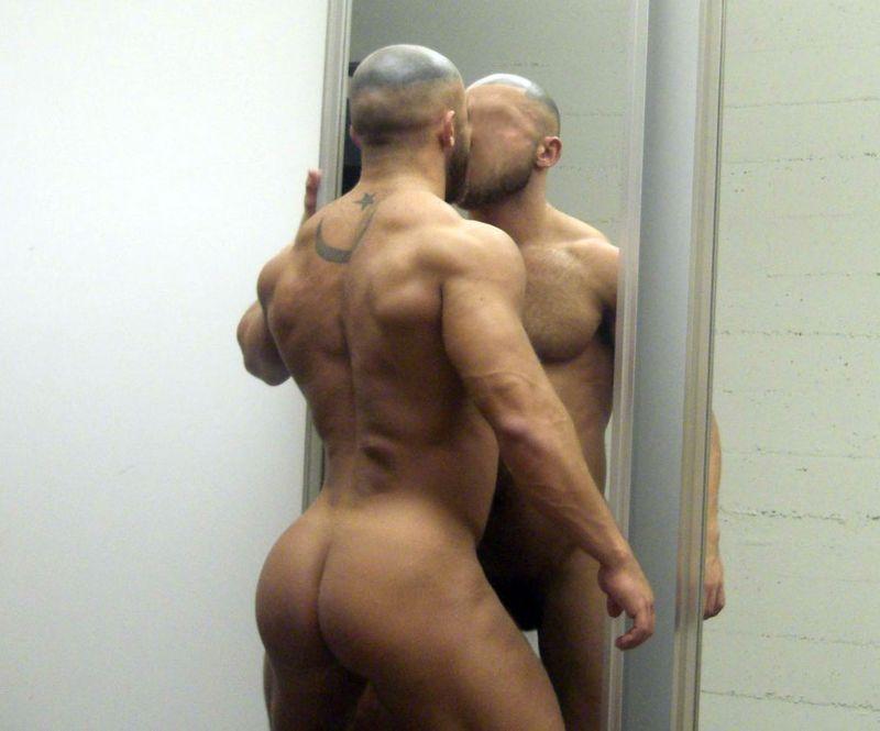 Francois-sagat-miroir-22