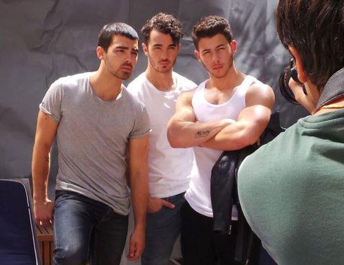 Jonas-brothers-20