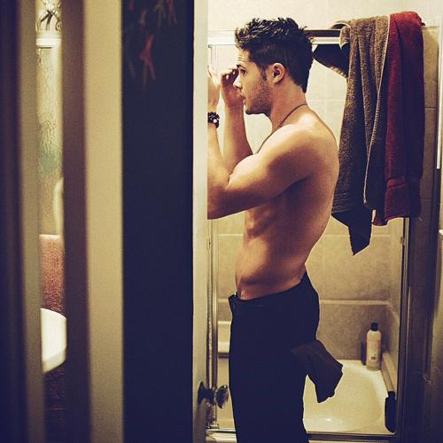 Justin espelho