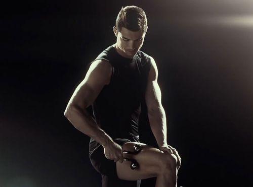 Cristiano-ronaldo-massage-07