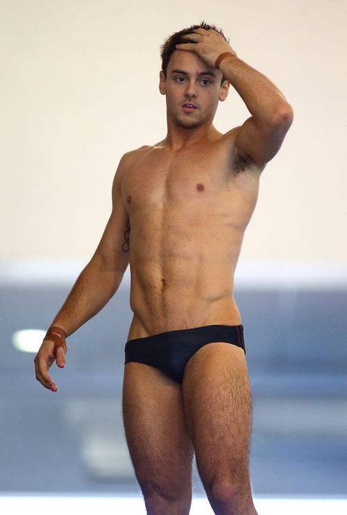 Tom-daley-auction-01