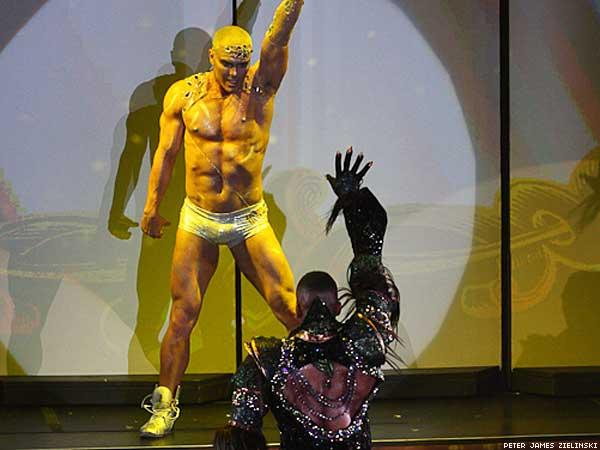 broadwaybares-02.jpg