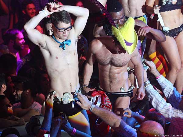broadwaybares-05.jpg