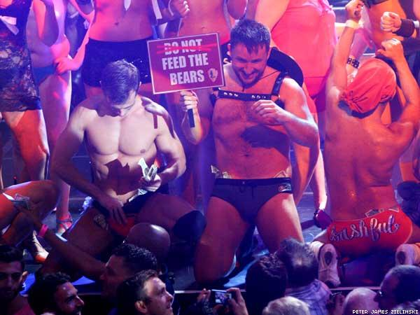 broadwaybares-10.jpg