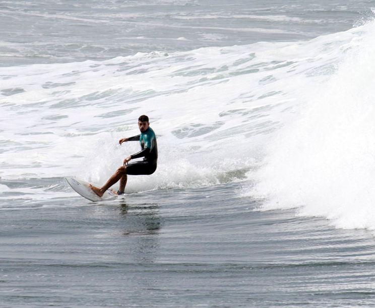 caua-reymond-surf-05.JPG
