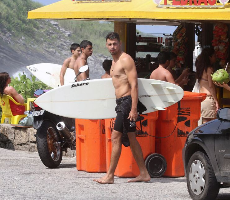 caua-reymond-surf-07.JPG
