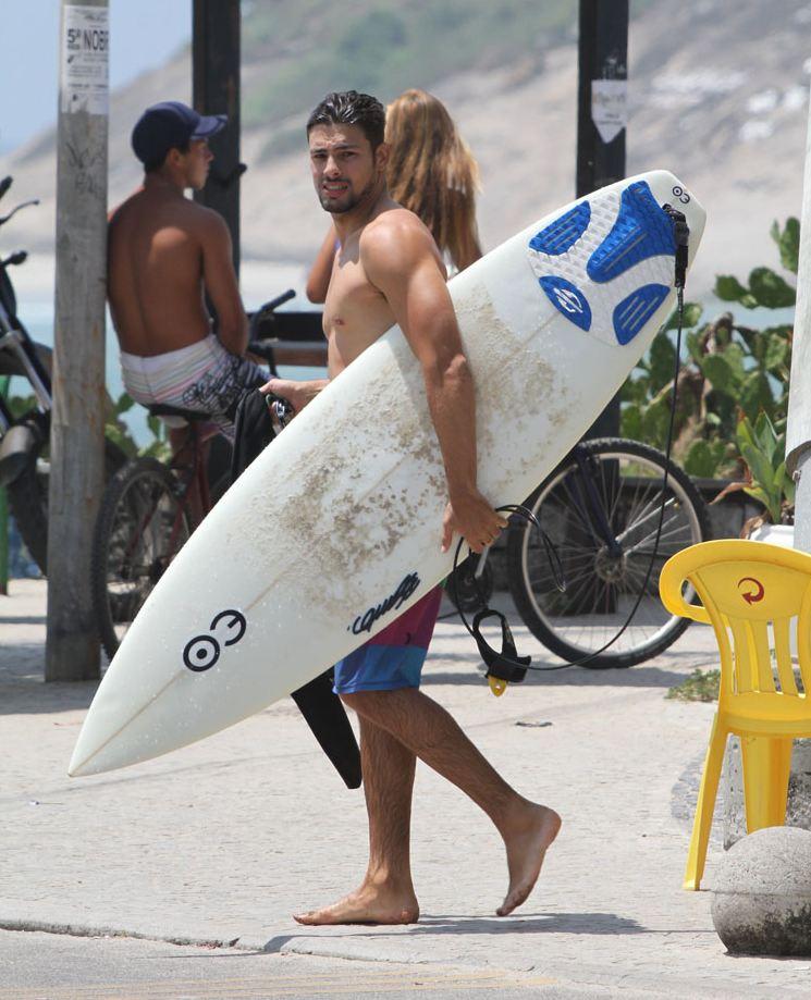 caua-reymond-surf-12.JPG
