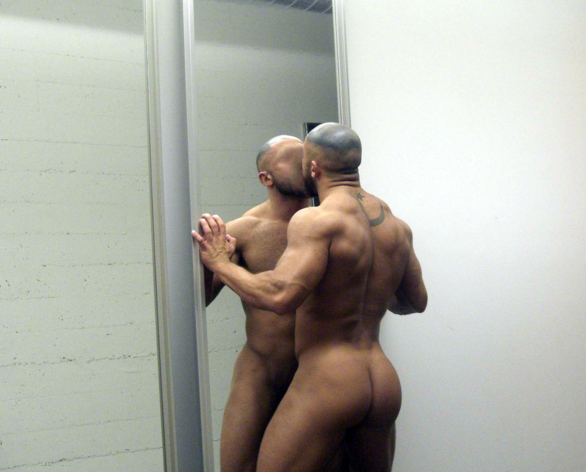 francois-sagat-miroir-10.JPG