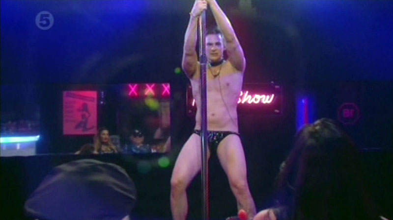 lee-ryan-poledance-04.jpg