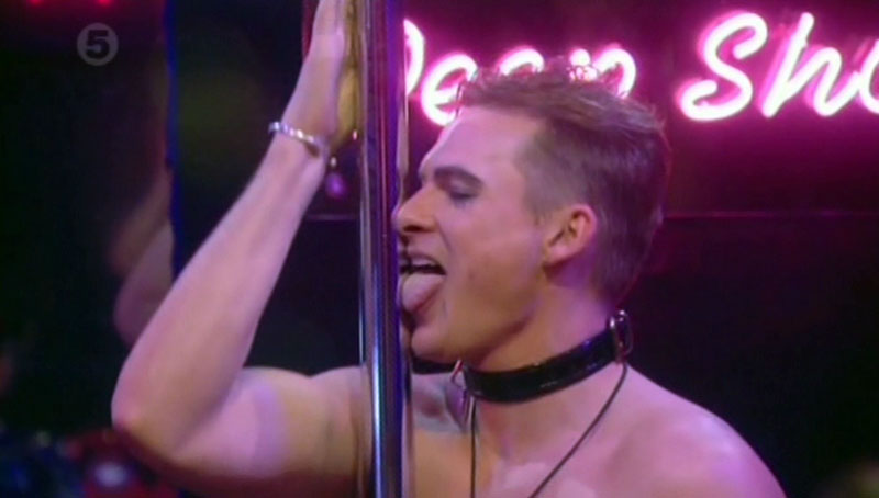 lee-ryan-poledance-05.jpg