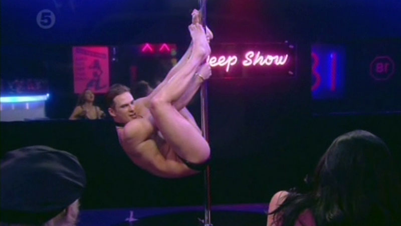 lee-ryan-poledance-09.jpg