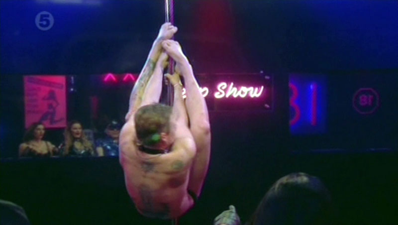 lee-ryan-poledance-10.jpg