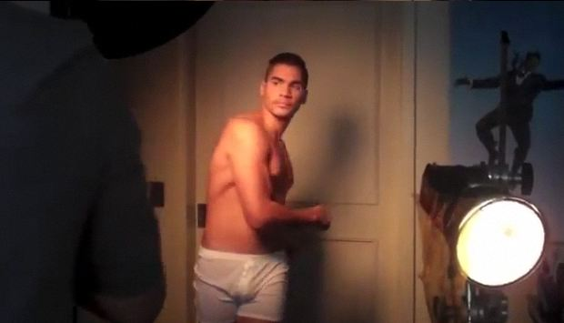 louis-smith-reveal-04.JPG