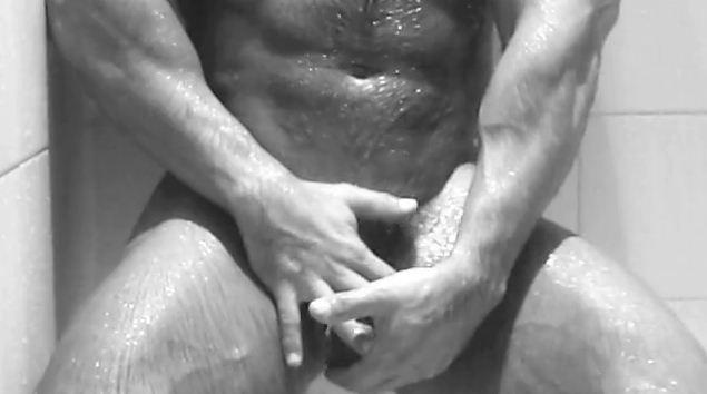 sagat-shower-18.JPG